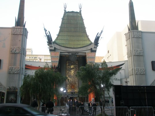 "Grauman's Theater-""Beautiful Creatures"" Premier"